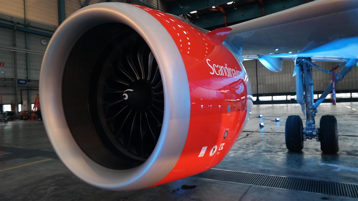 Stor motor på flygplanet