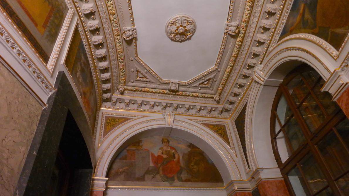 Stuckaturer och vackra målningar