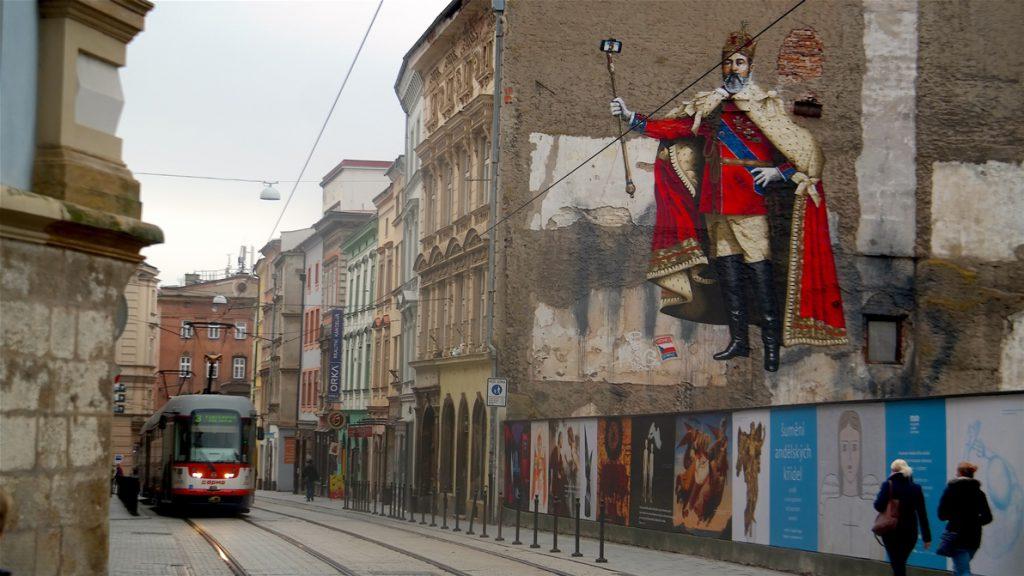 """Spårvagn och kreativ """"graffiti"""" i Olomouc"""