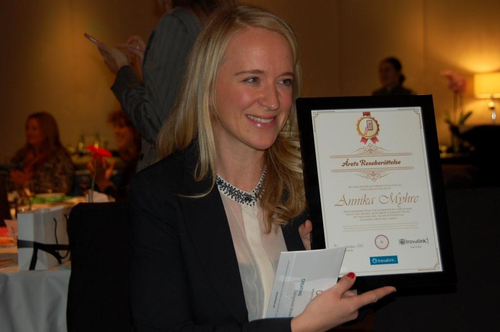 Annika Myhre från bloggen Resfredag har precis mottagit sitt pris - äran förstås och tre dagar på lyxhotell i Dubai