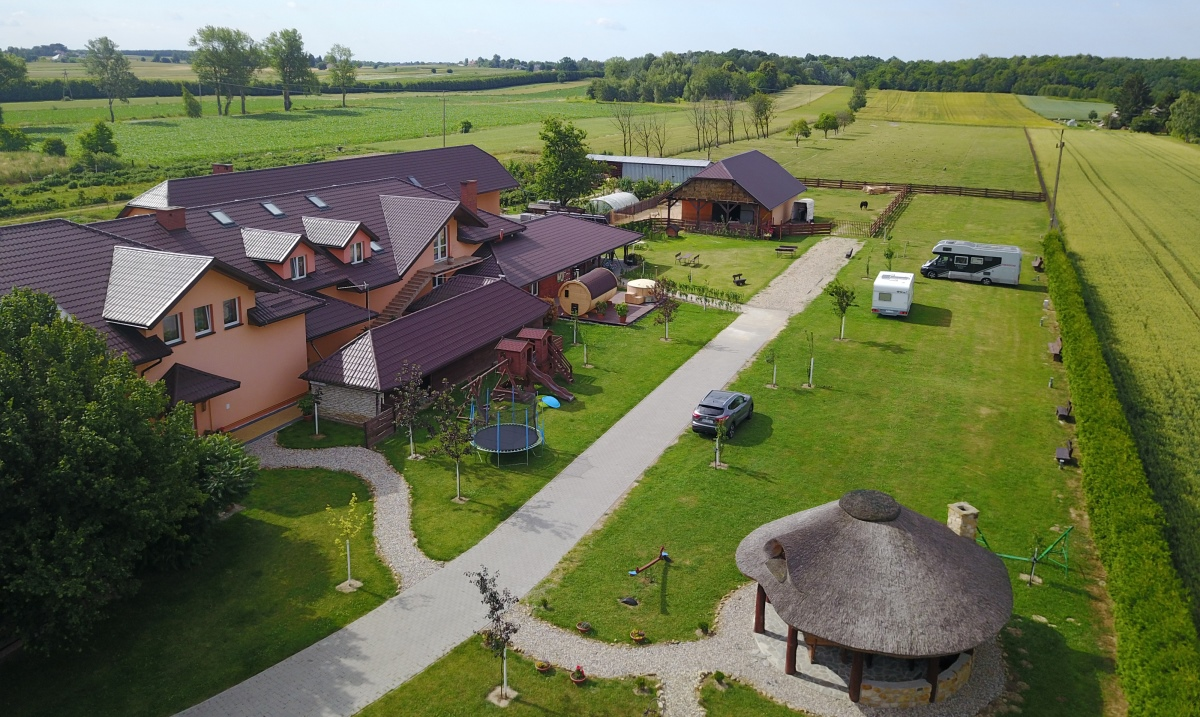 Camping med hotell, U Kraka
