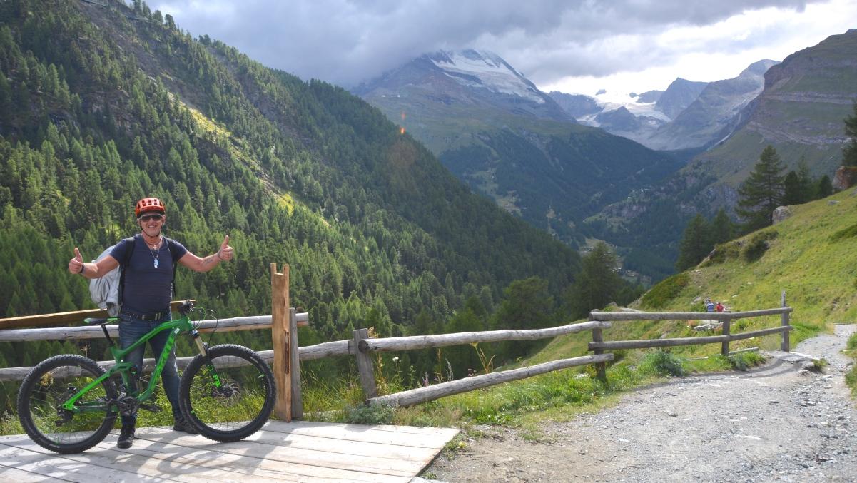 Cykling alperna
