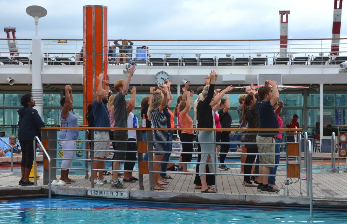 Dans vid poolen Freedom of the Seas