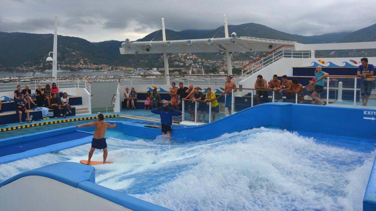Flowride Surfsimulator - aktiviteter på Freedom of the Seas