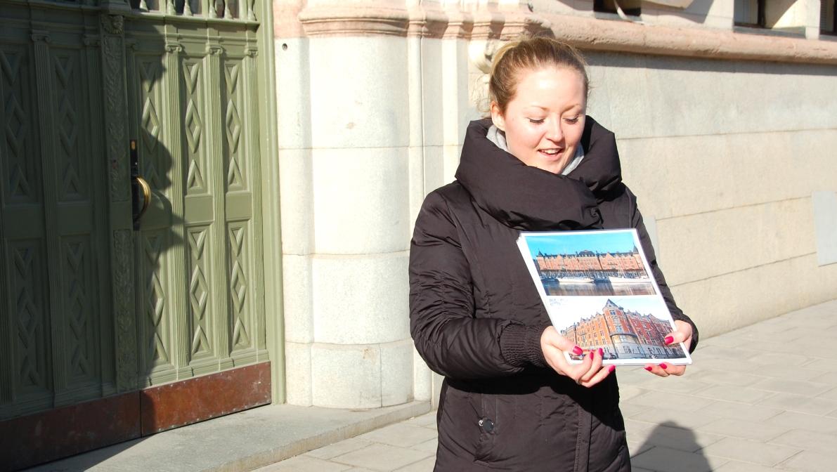 Vår medryckande och kunniga guide under stadsvandringen