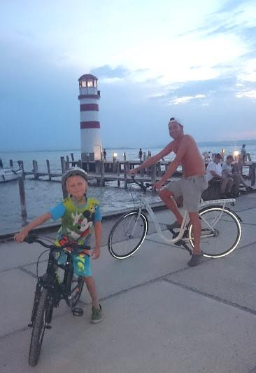 Mysig cykeltur ut till Fyren, denna kväll 30 grader och varma vindar.