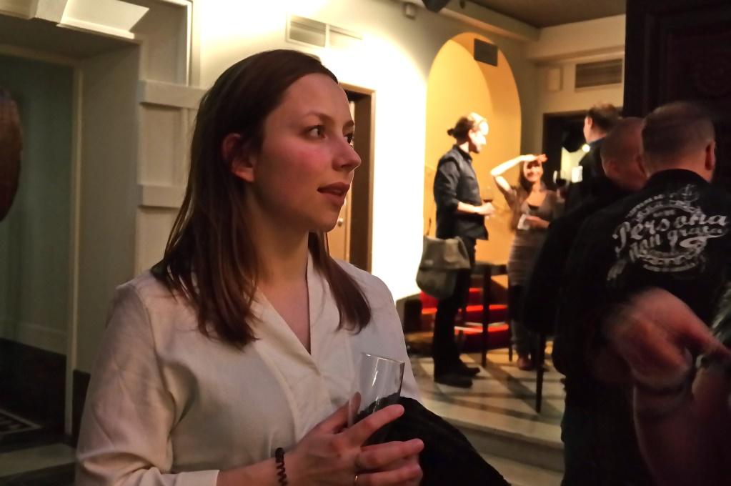 På festen fick vi äntligen träffa den svenska bloggerskan Jennifer Sandström, som bott i Indien, Tyskland och nu Finland. Hon har också skrivit om festen.