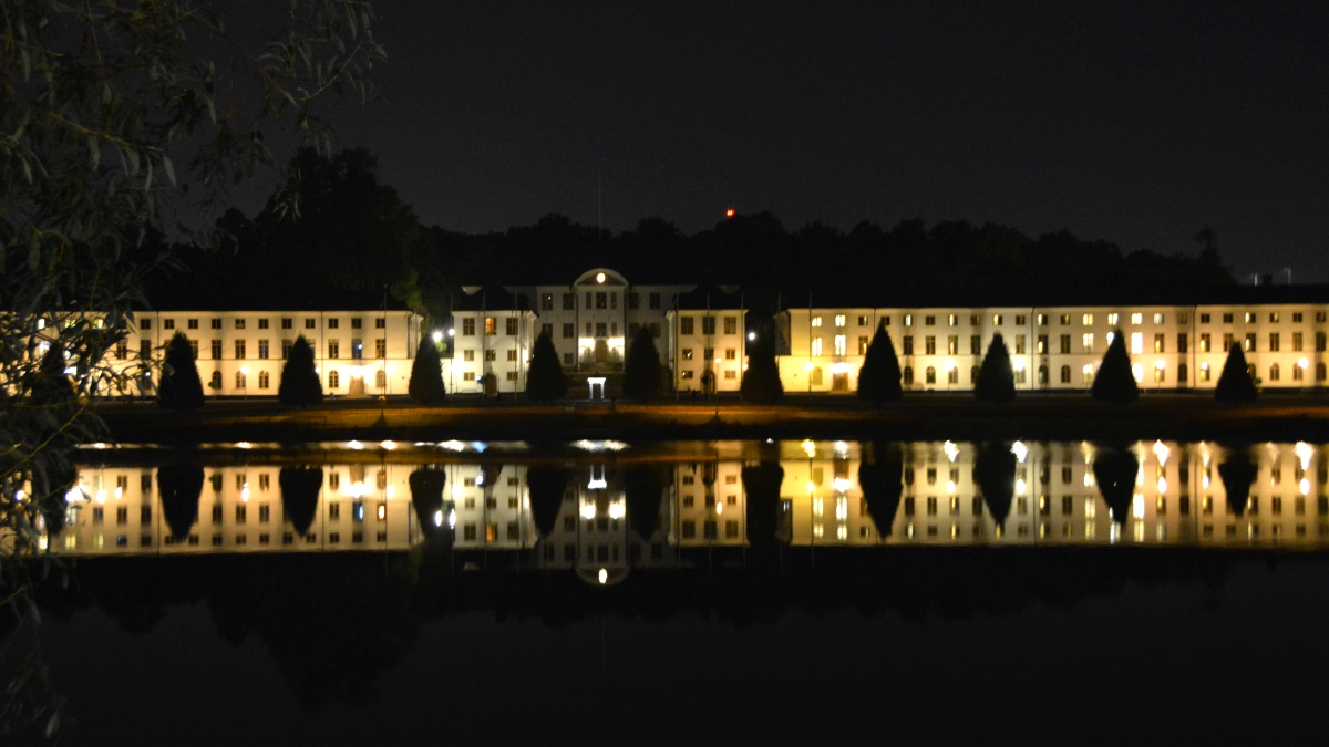 Karlbergs slott i lördags natt