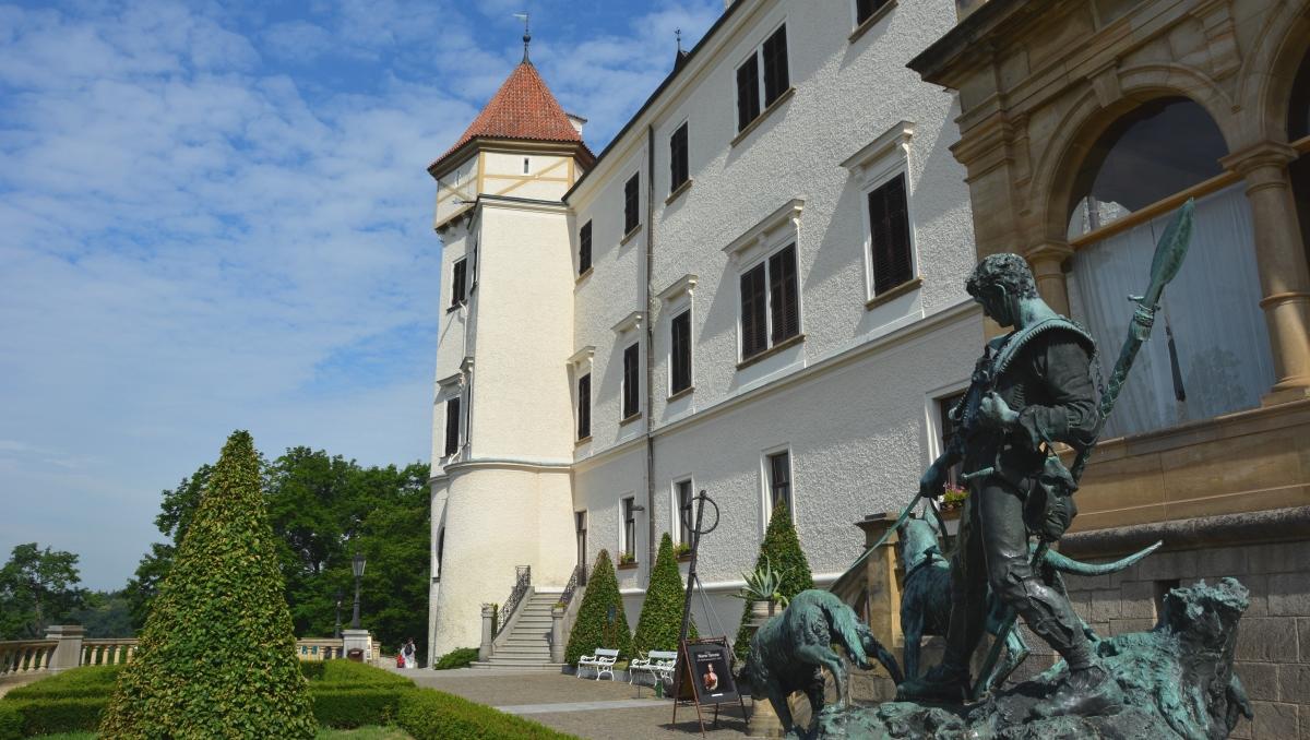 Skogsslottet Konopiste i Tjeckien