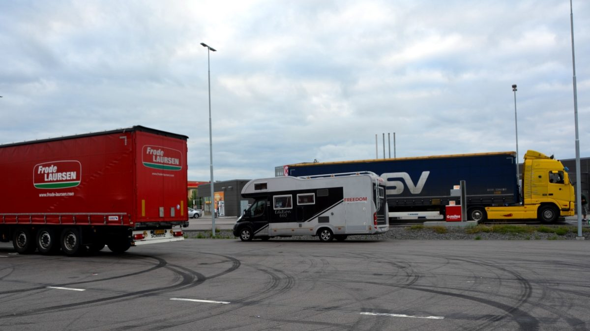 Lastbilar och vår husbil