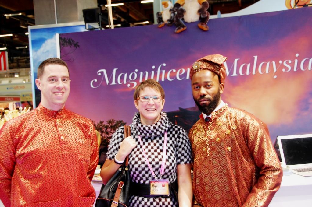 Vi tog ett kort i Malaysias stånd med förhoppningen att vinna en resa. Vi vann inte, men det gjorde den finska bloggerskan Veera