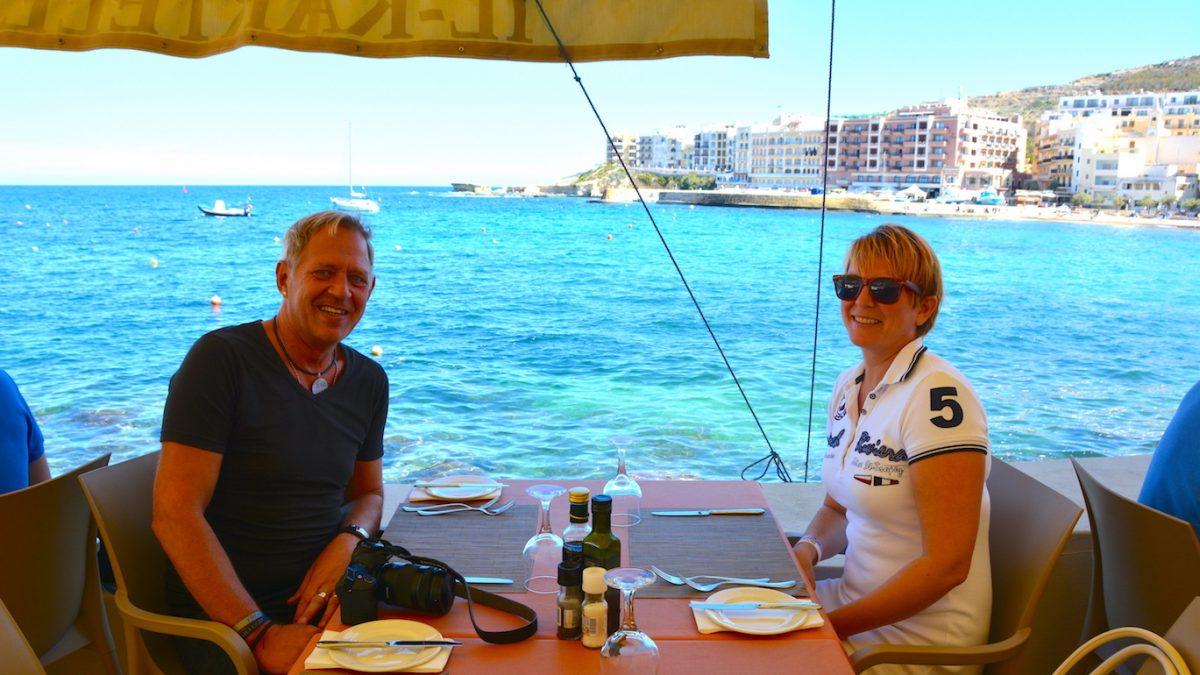 På Kartell restaurant i Marsalforn, Gozo