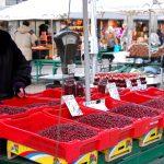 Matmarknad i Riga – i före detta zeppelinerhallar