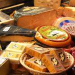 Delikatesser och bakverk i Åbo saluhall