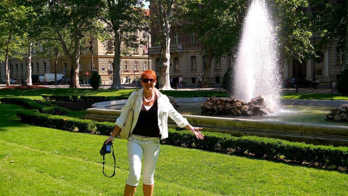 Helena i en av Zagrebs parker