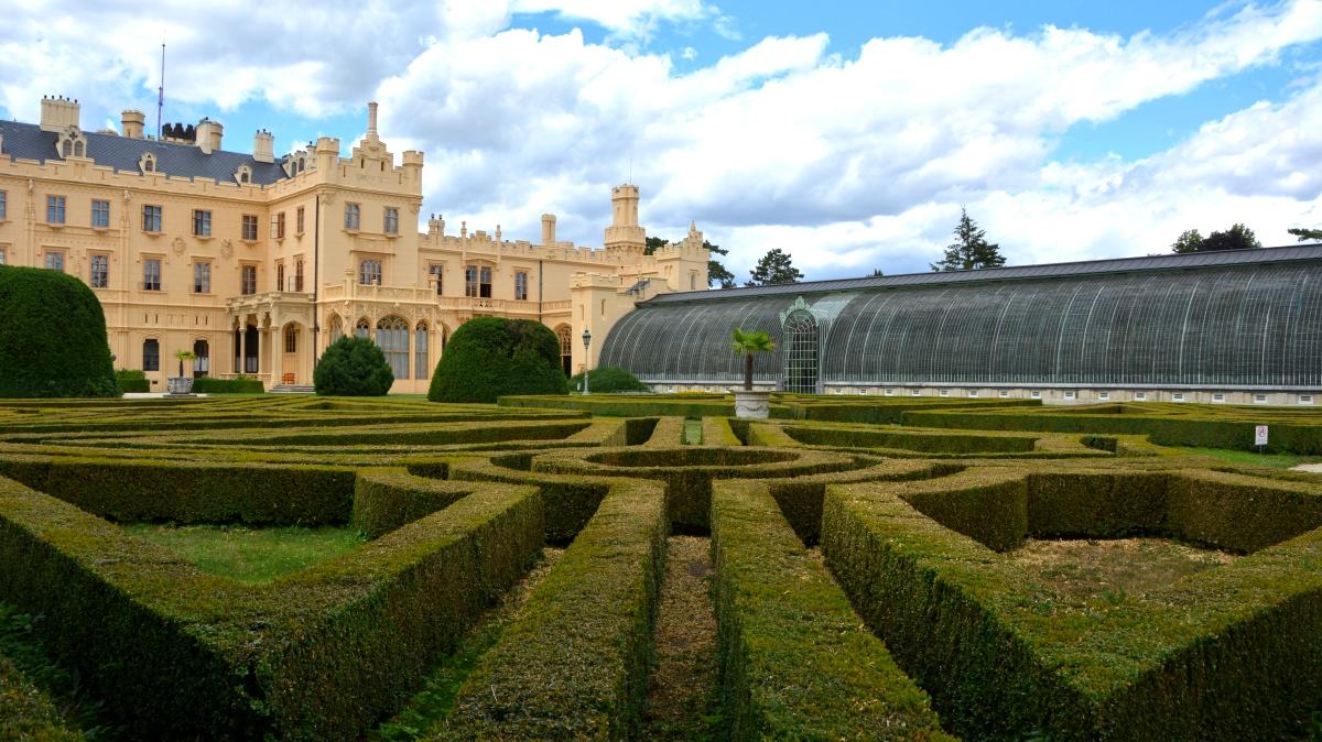 Slottsträdgård