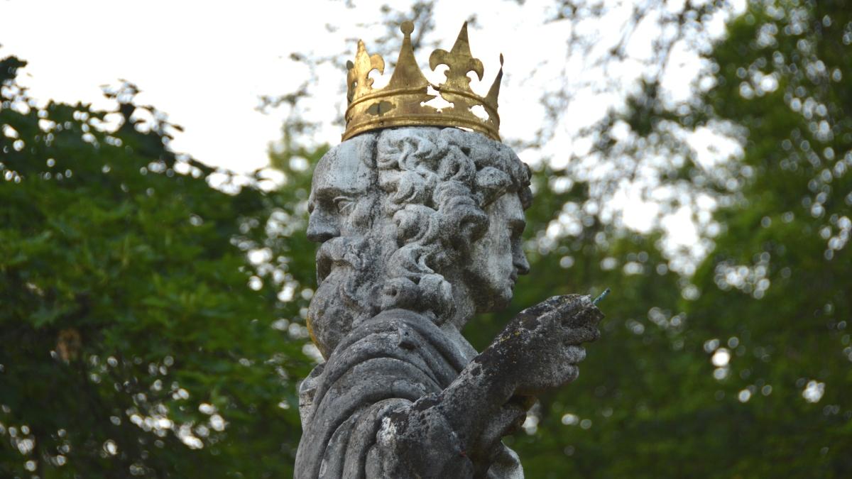 Staty med två huvuden