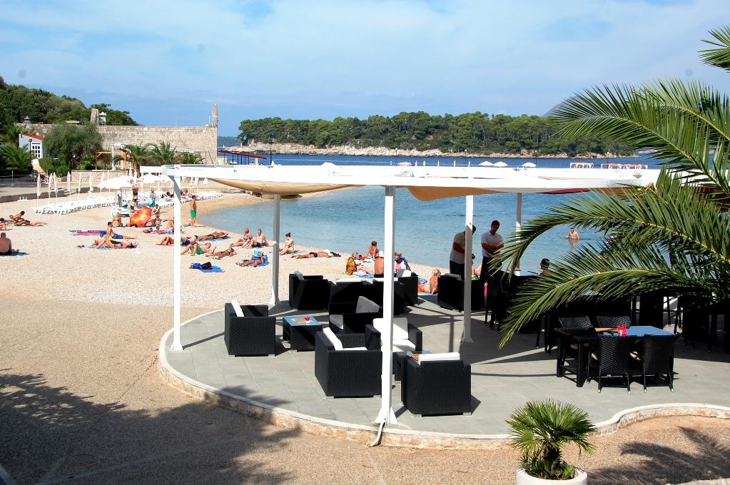 Ställplatser i Kroatien: Strand vid camping i Dubrovnik