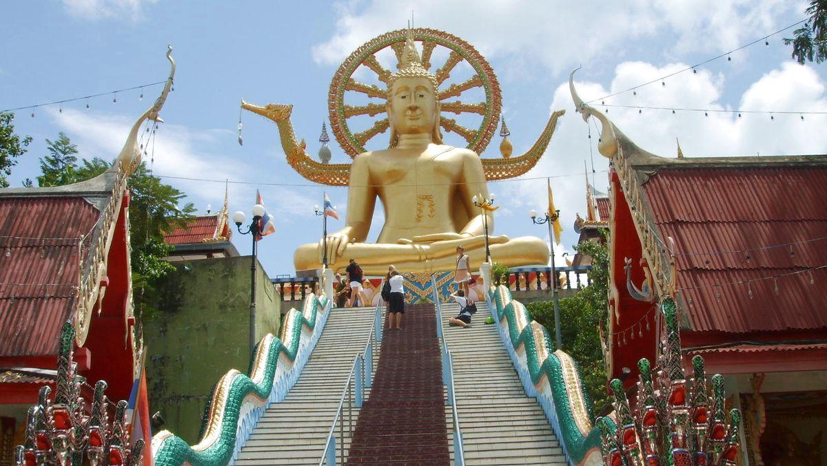 Stopp vid en känd Buddha-staty
