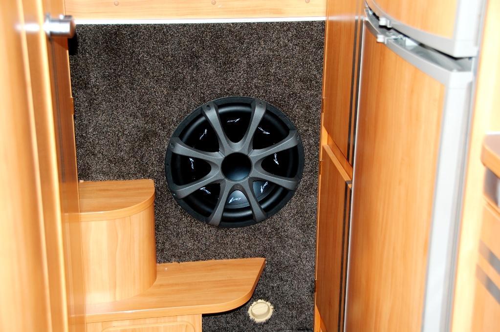 Bashögtalare installerad i husbilen!