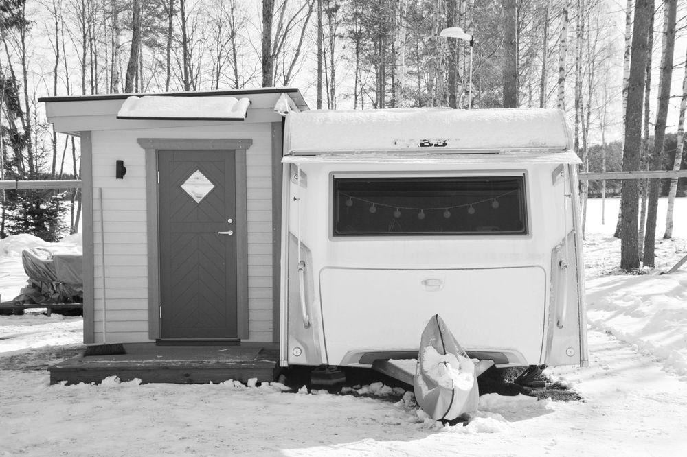Vintercamping med förstuga
