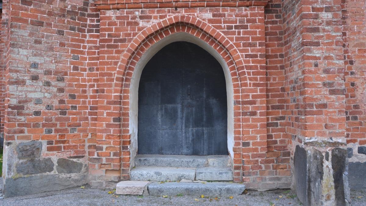 Port till Engsö kyrka