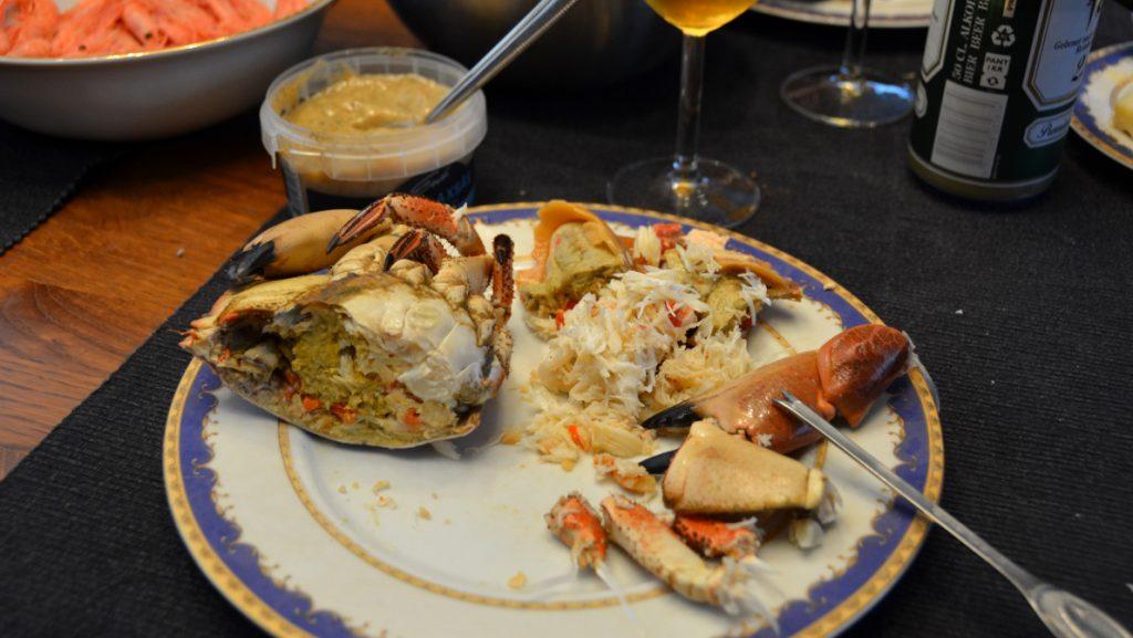 Äta hel krabba
