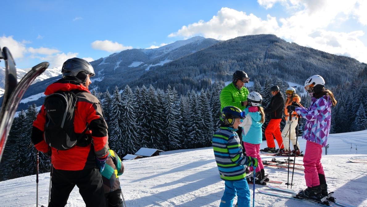 Äntligen uppe på toppen!Redo för härlig skidåkning i Alperna!