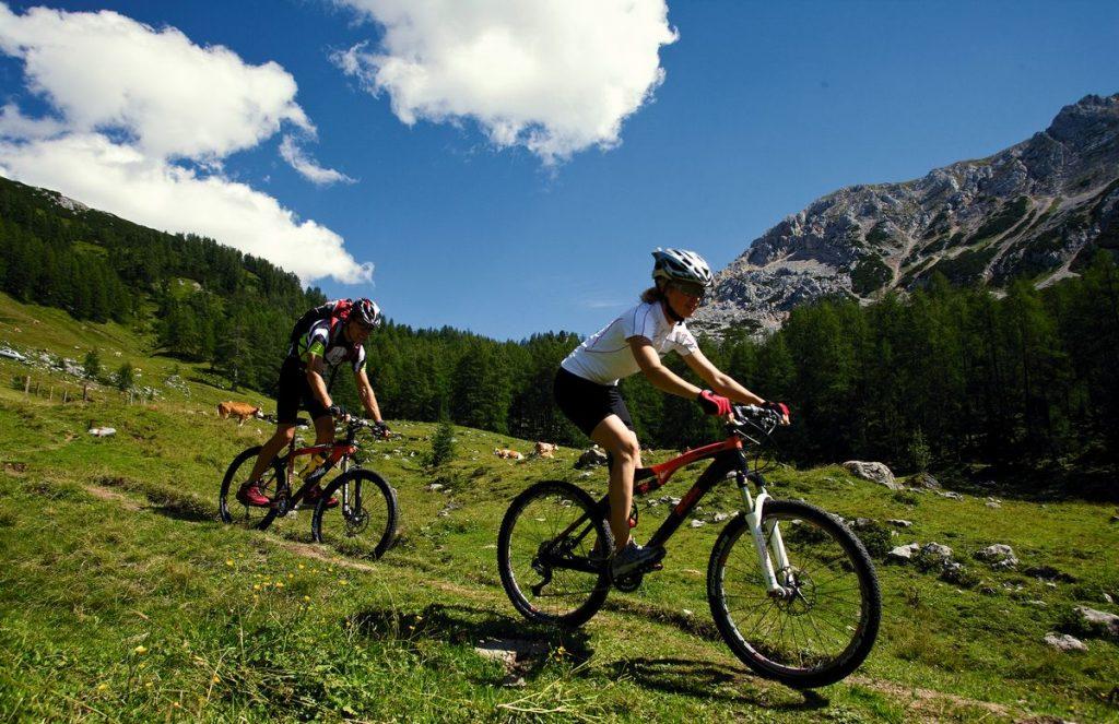 Sommar in St Johann in Tirol
