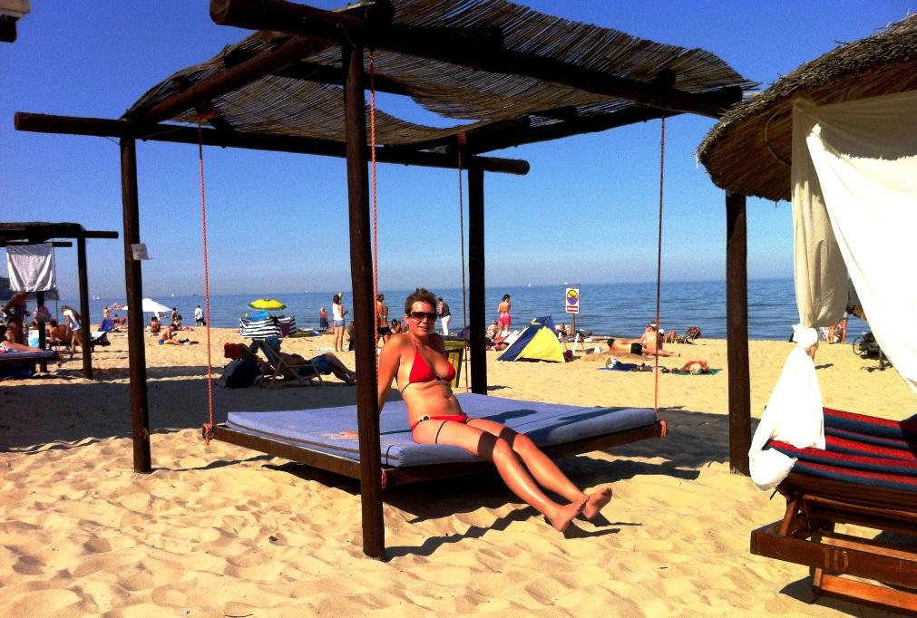 Helena på stranden i Sopot