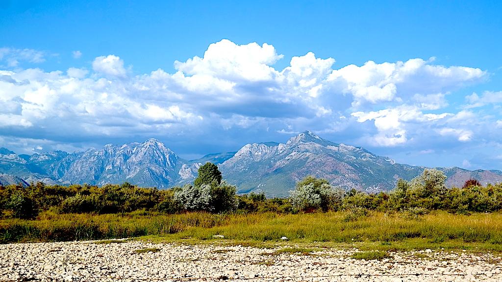 Shkodra och höga berget Jazerca