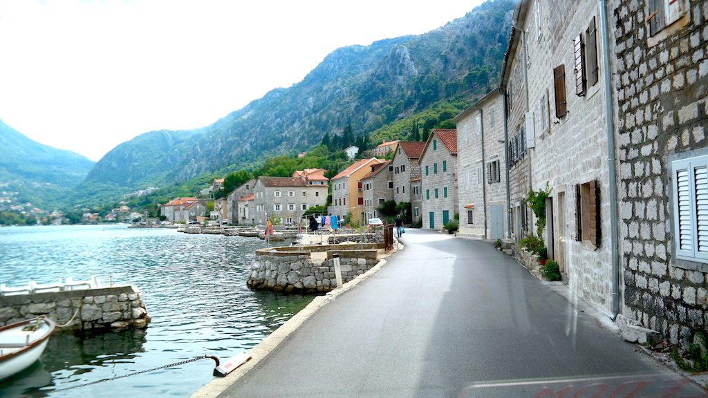 Smala vackra vägar i Montenegro