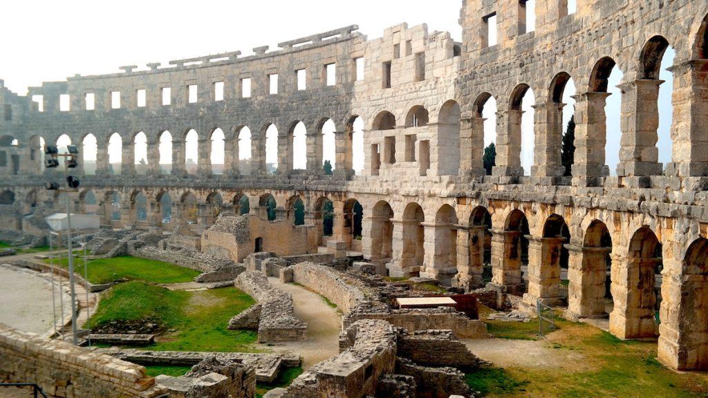 Amfiteatern i Pula i Kroatien - en av världens mest kända romerska amfiteatrar