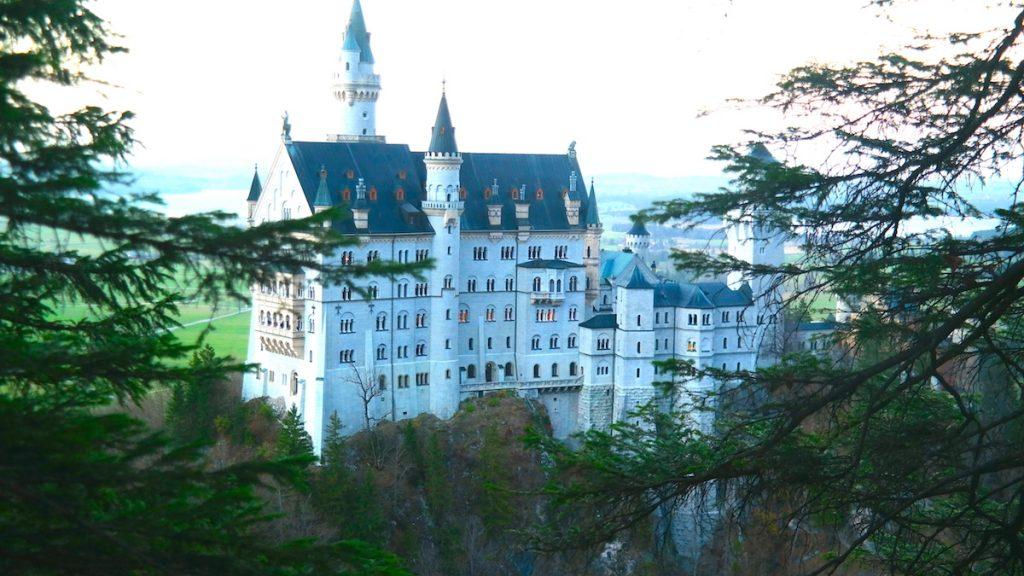 sagoslottet i Neuschwanstein i Tyskland