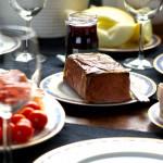 Lunchbjudning med plockmat
