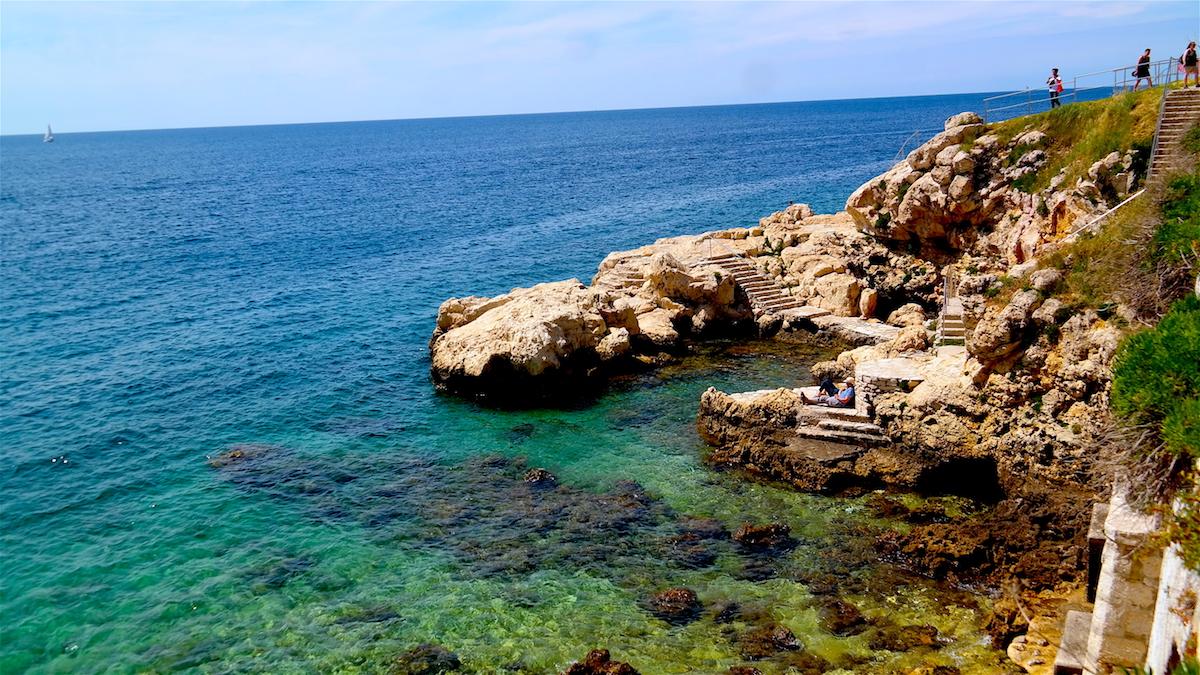 Badklippor vid Adriatiska havet
