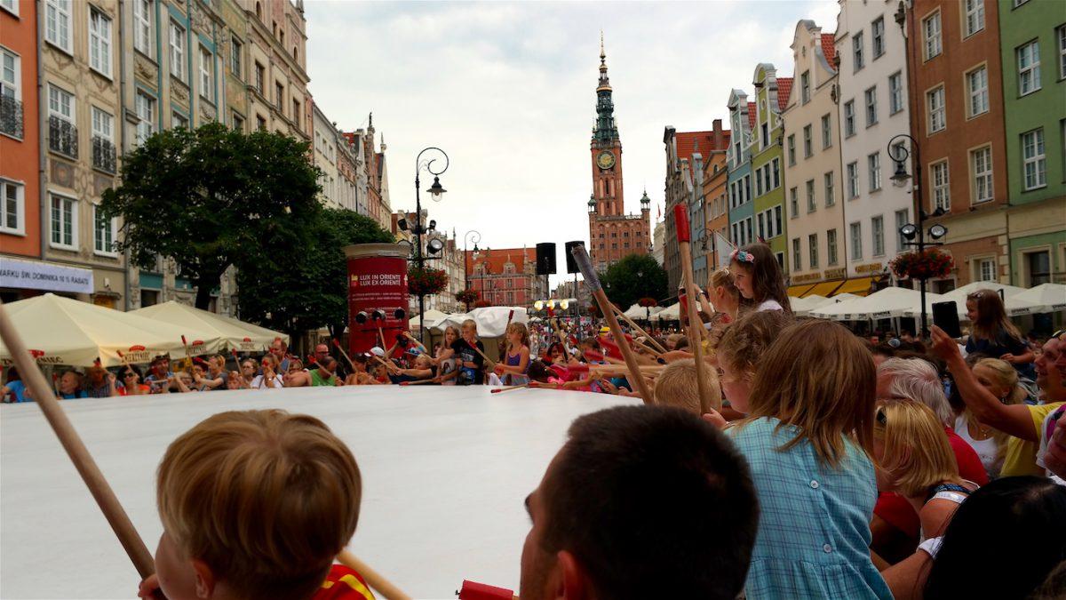 Världens största trumma på marknad i Gdansk