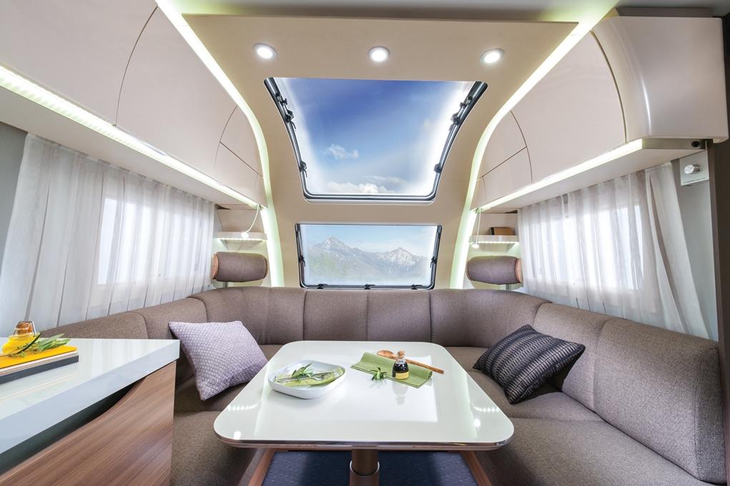 Interiör från husvagnen Adria Alpina 753