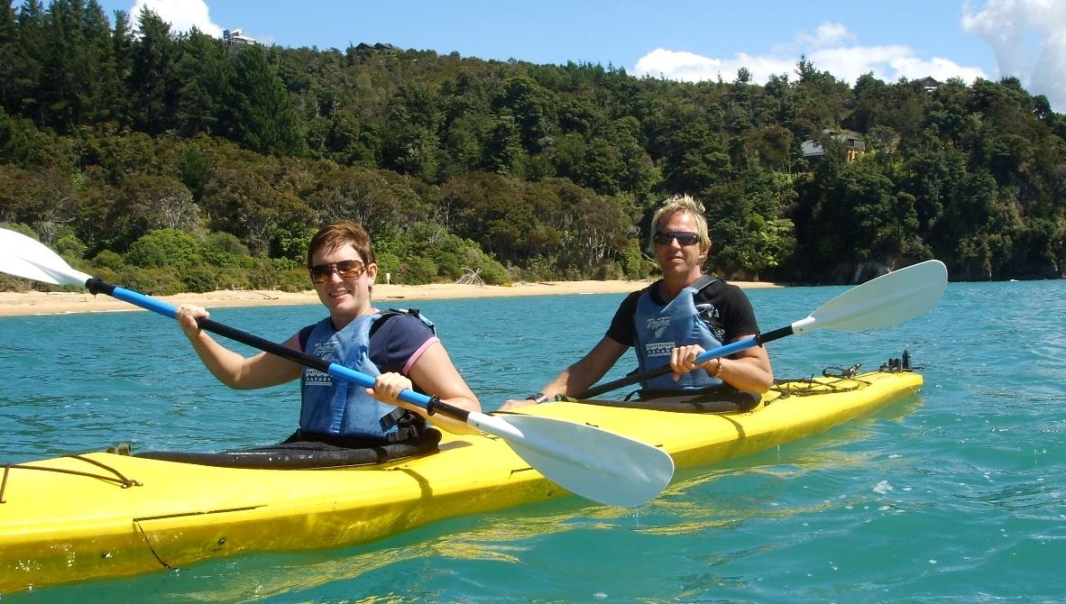 Kanottur i Abel Tasman Nya Zeeland - semester i oceanien