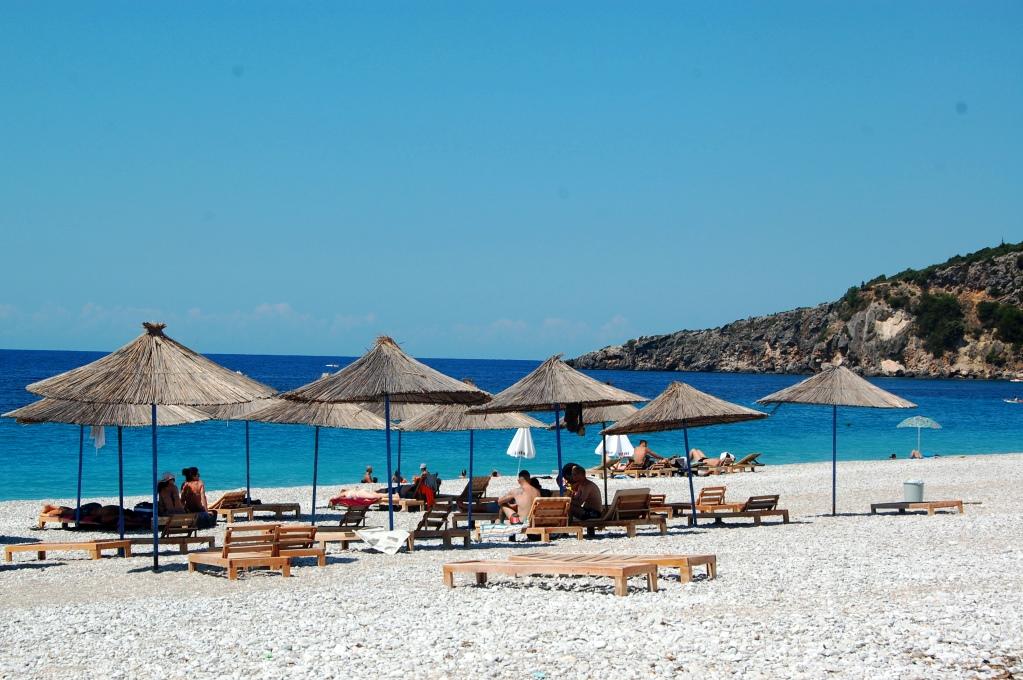 Livadhi Beach är med i 5 vackraste stränderna
