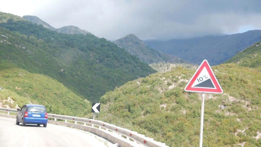 Albaniens bergsvägar