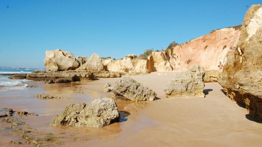 Varmt i februari vid Algarvekusten