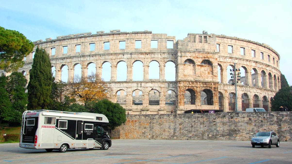 Amfiteatern i Pula