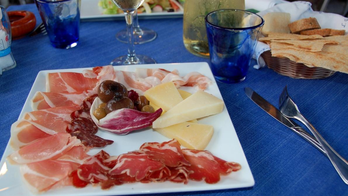 Antipasto - förrätt i Italien