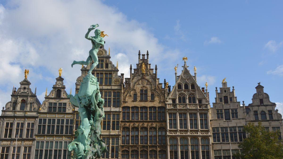 Antwerpen staty