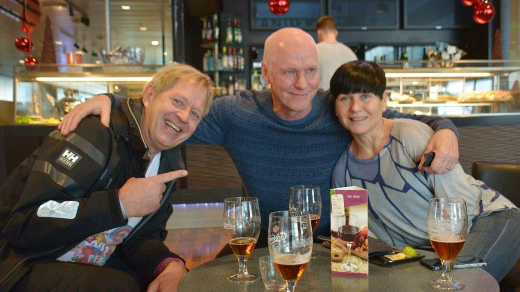 Arlanda, i väntan på att flyga till Sri Lanka