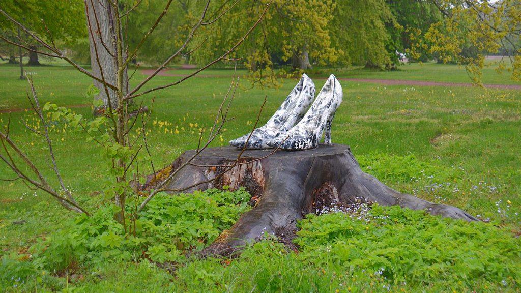 Konst i Bäckaskogs park, Bäckaskog slott