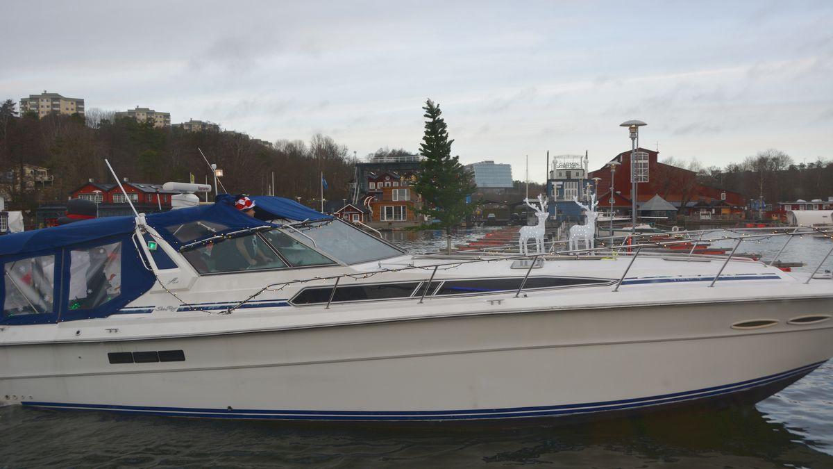 Båt med julgran