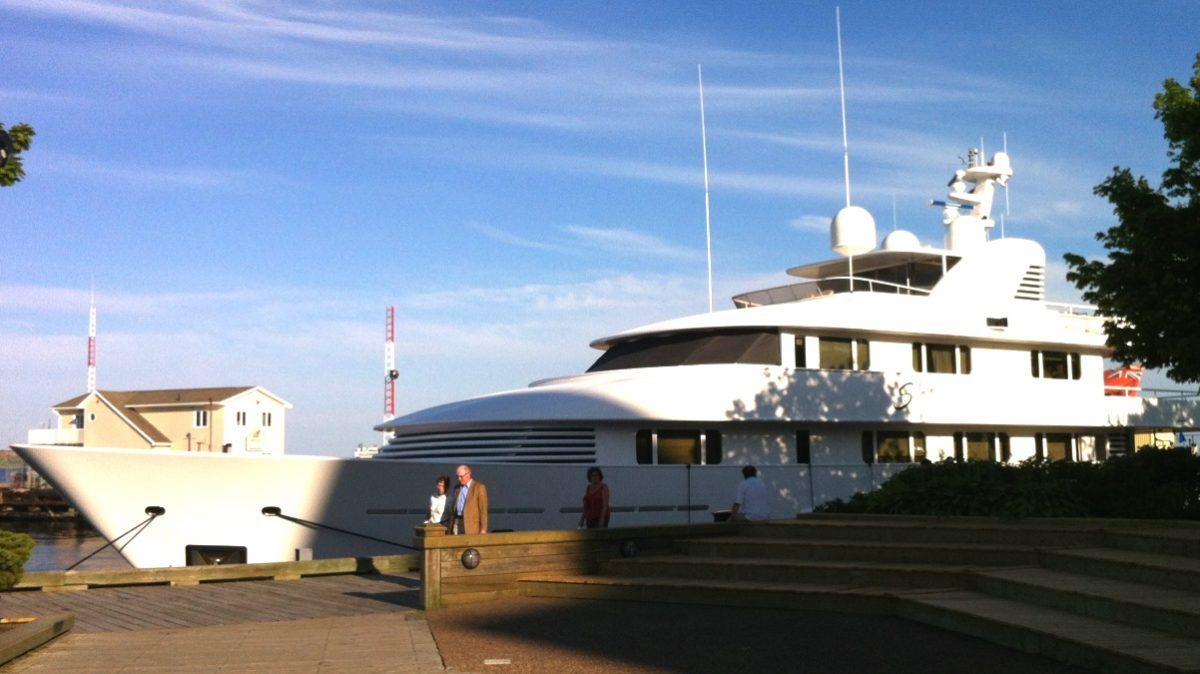 Båtar halifax hamn