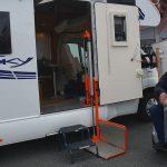Med rullstol i husbil – tillgänglig husbil från Blucamp
